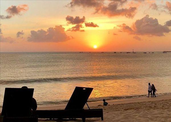 金巴兰落日,金巴兰海滩落日,巴厘岛旅游必去景点